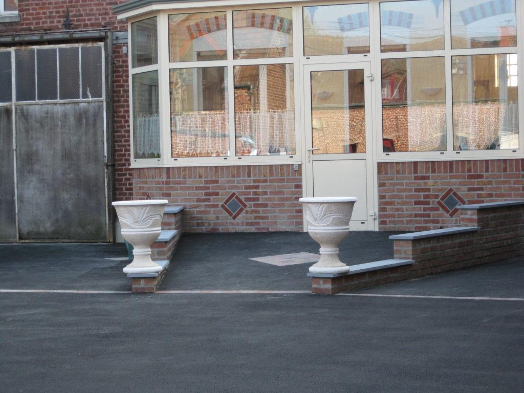 Mise en oeuvre d'enrobés Hecq TP (Travaux Publics) 59 - aménagement extérieur - assainissement - Maubeuge Valenciennes Cambrai Douai Lille Saint Quentin