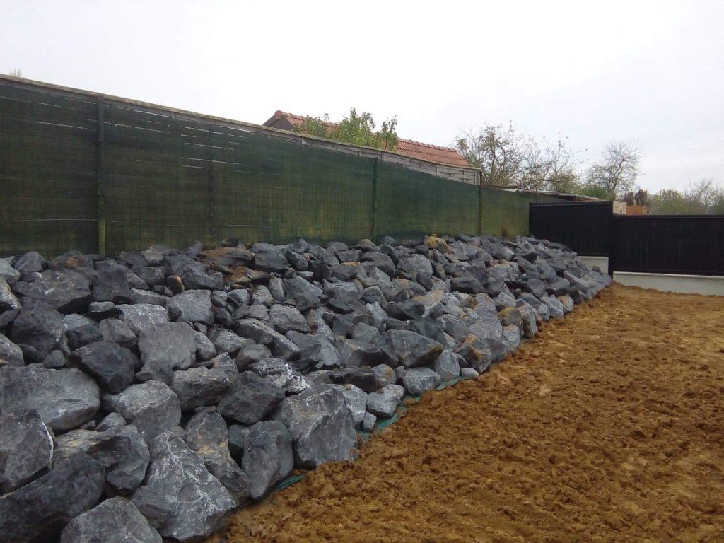 enrochement Hecq TP (Travaux Publics) 59 - aménagement extérieur - assainissement - Maubeuge Valenciennes Cambrai Douai Lille Saint Quentin